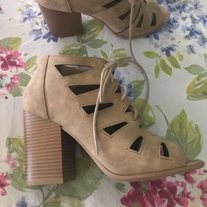 Soda beige chunky 3 in. heel peep toe with lace up